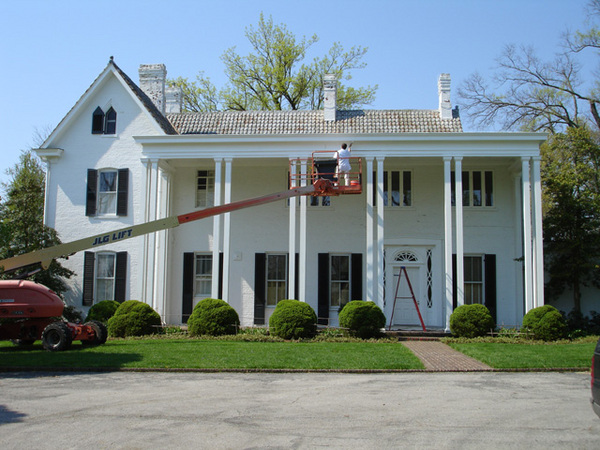 When searching for exterior painting contractors, look no further than B.L. Radden & Son, Inc. in Lexington, Kentucky.